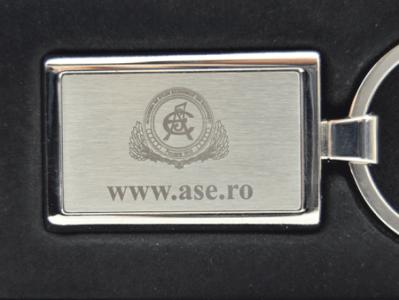 personalizare-breloc-1450099796